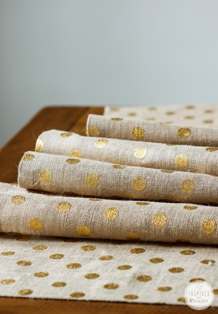 DIY No Sew Burlap Table Runner | Inspired by Charm #31daysofhome