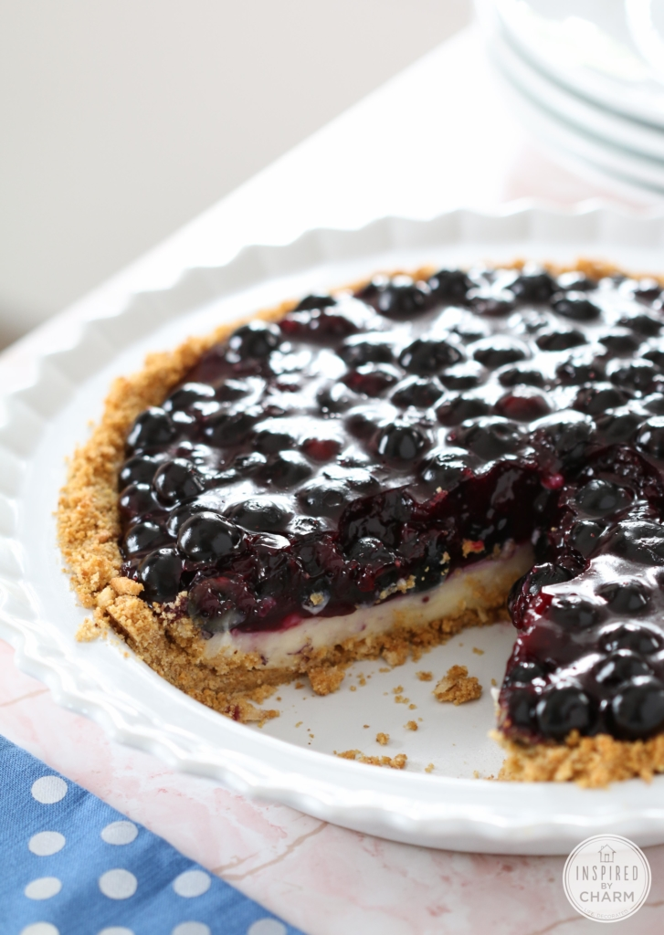 This Blueberry Cream Pie make a delicious summer dessert. #summer #dessert #recipe #blueberry #cream #pie #4thofJuly