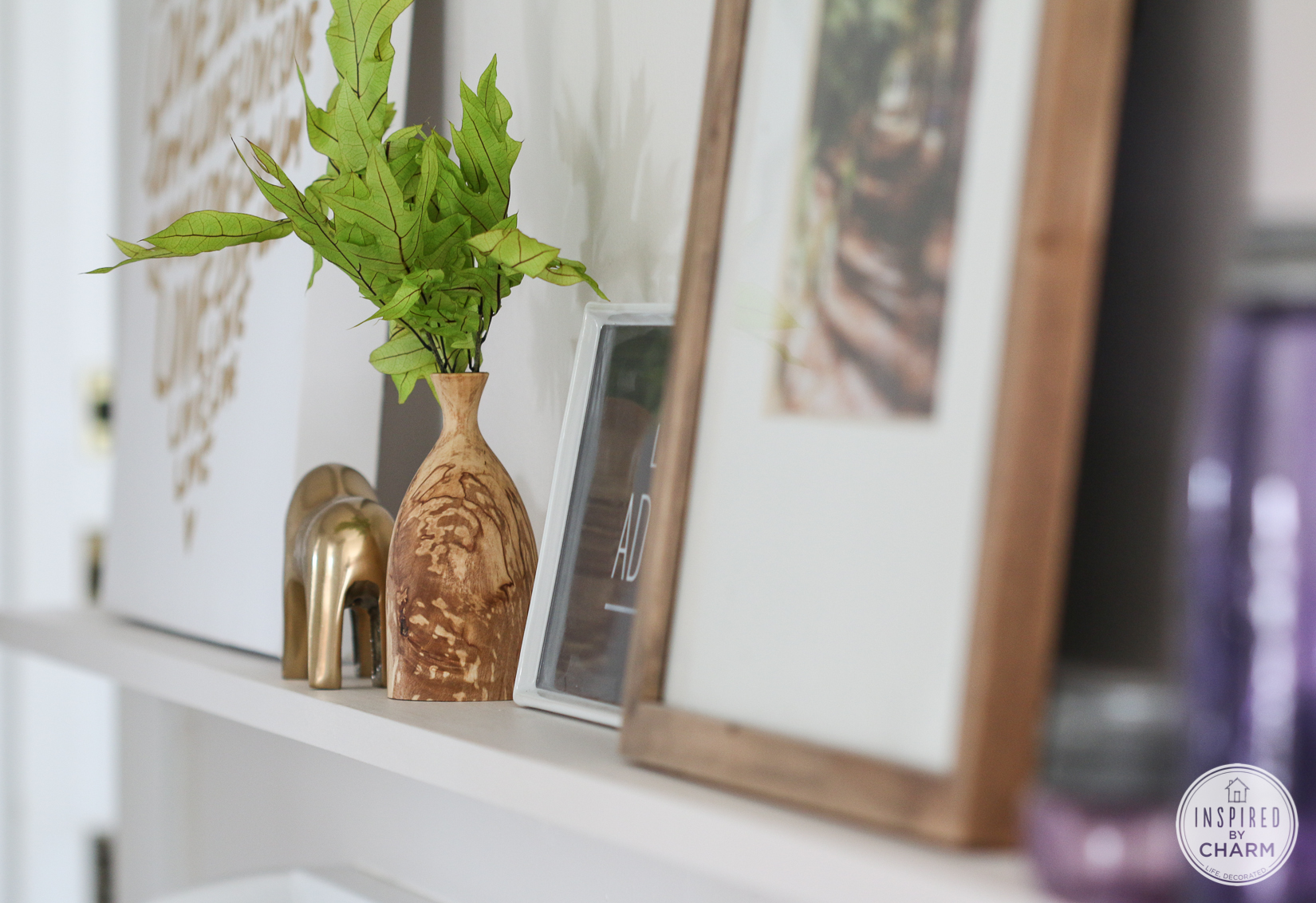 Diy Picture Ledge A Quick And Inexpensive Way To Decorate