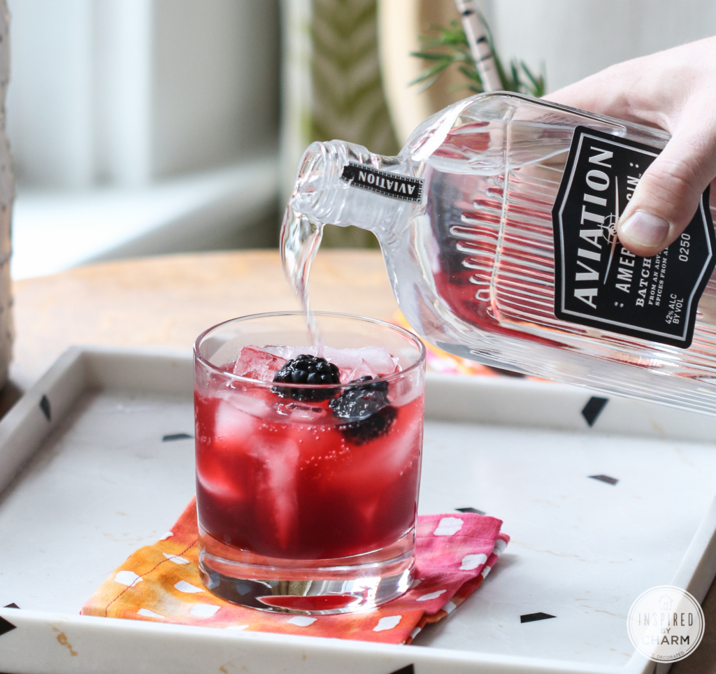 Blackberry Gin Lemonade | Inspired by Charm #drinksandlinks