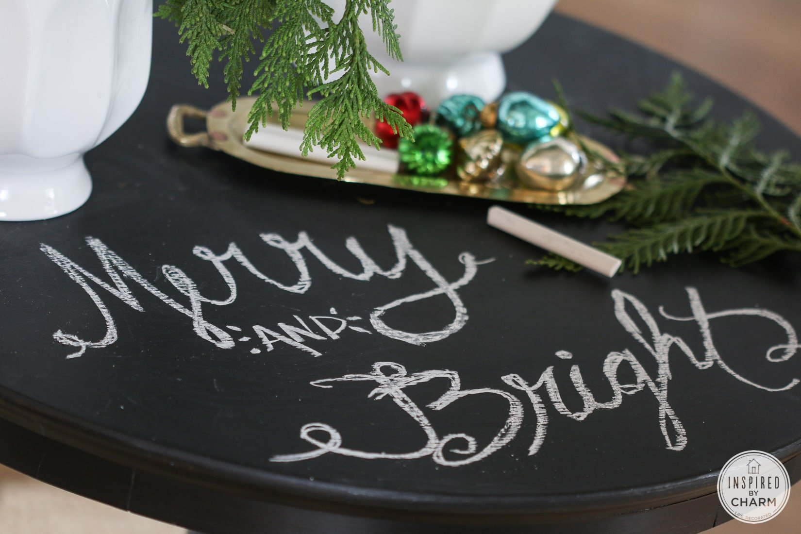 Merry Entry Table | Inspired by Charm