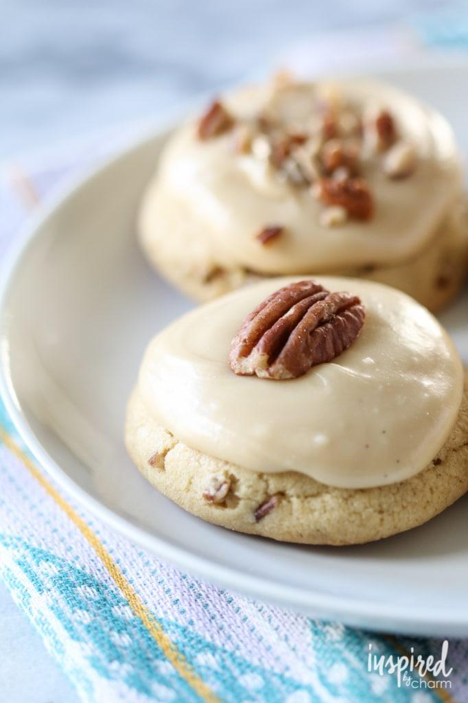 Brown Sugar Pecan Cookies | inspiredbycharm.com #IBCfallcookieweek