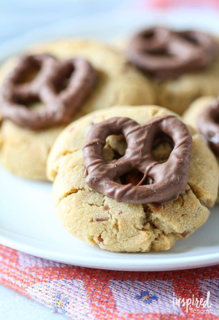 Chocolate Covered Pretzel Peanut Butter Cookies | inspiredbycharm.com #IBCfallcookieweek