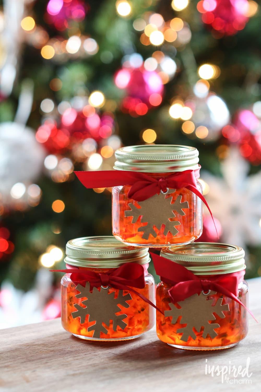 Red Pepper Jelly | inspiredbycharm.com #redpepper #jelly #gift #handmade #holiday #christmas