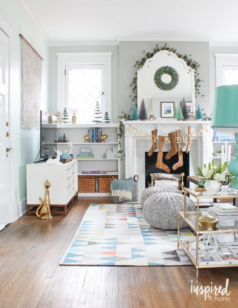 modern living room christmas