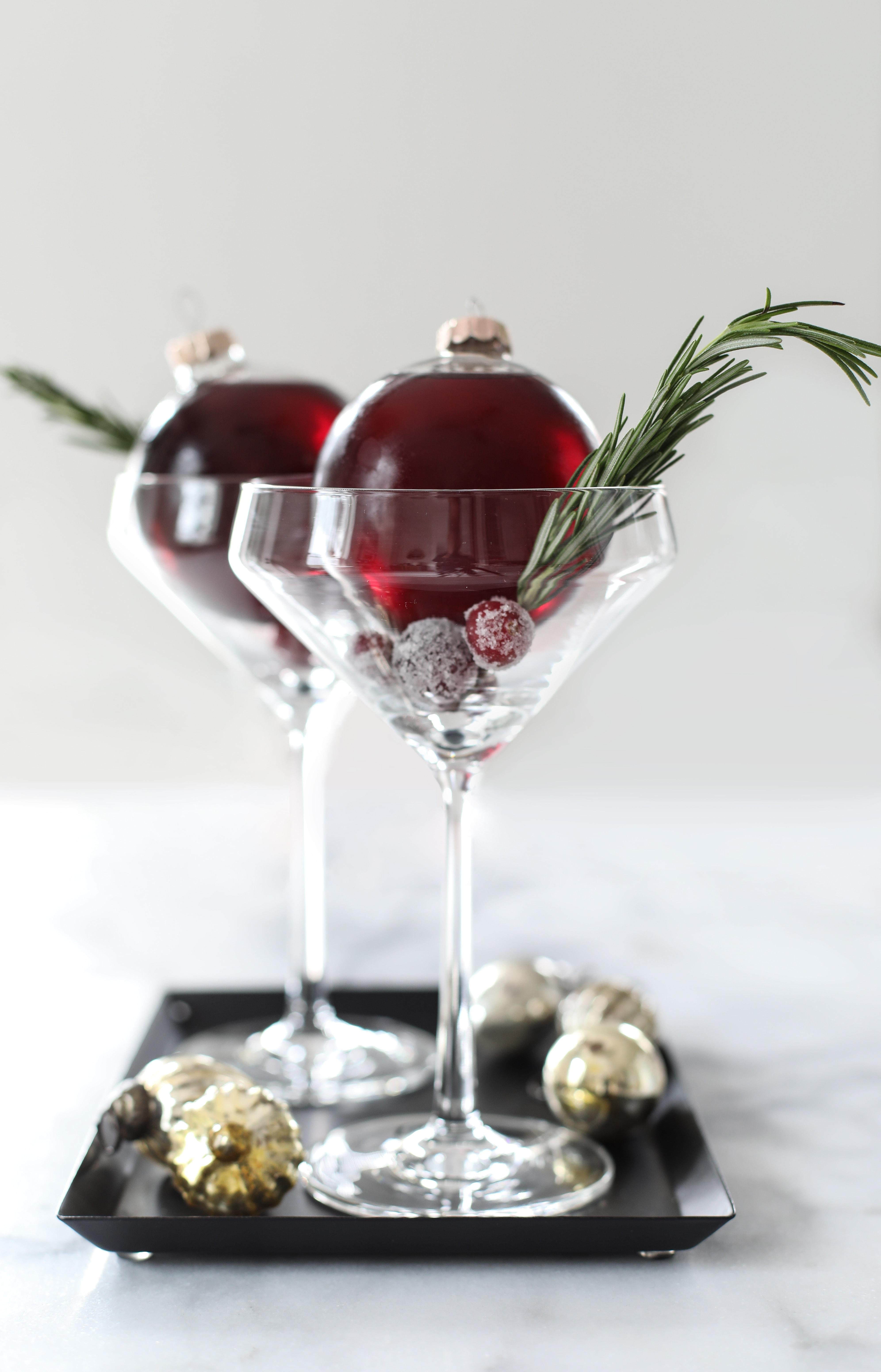 Very Merry Ornamentini Cocktail recipe - christmas cocktail recipe ideas