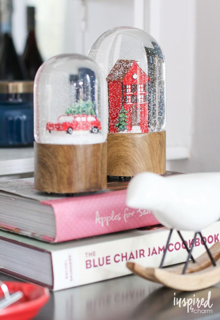 Holiday Home Tour | inspiredbycharm.com #IBCholiday