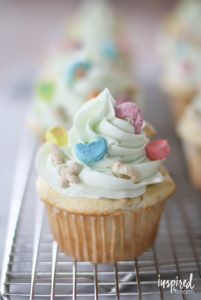 lucky charms cereal cupcake