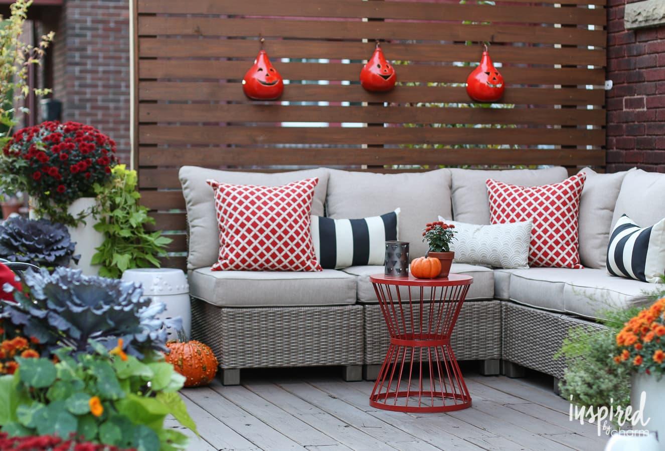 Fall Deck-orating Ideas | inspiredbycharm.com
