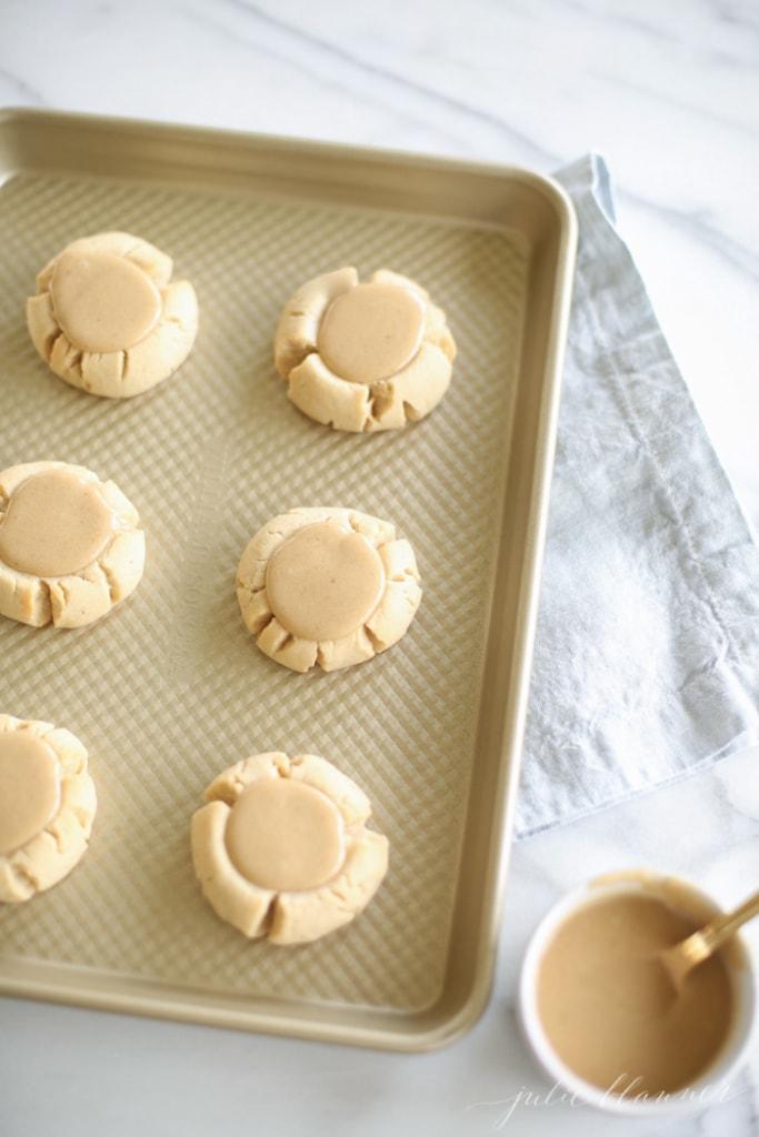 Salted Caramel Sugar Cookies   julieblanner.com