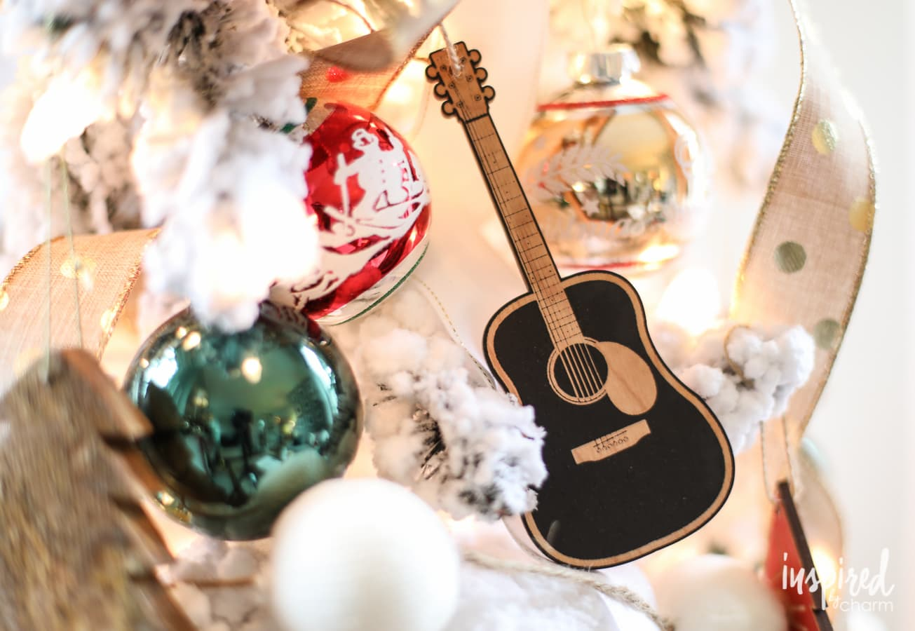 40+ Country Christmas Music Songs: The Ultimate Christmas Playlist