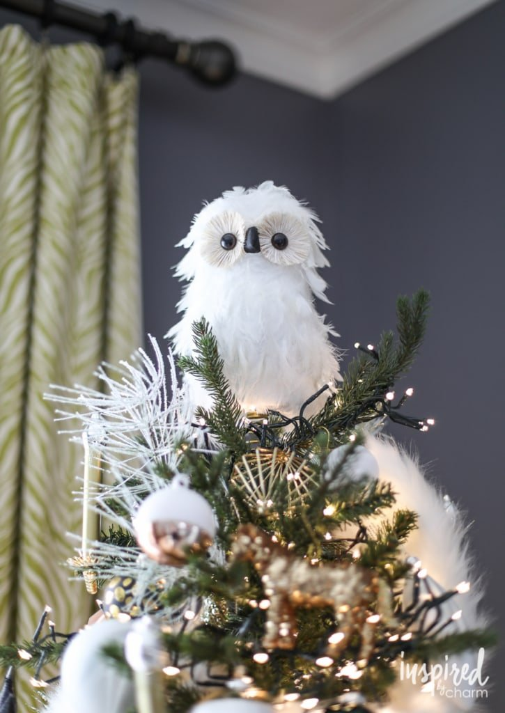 Inexpensive Christmas Decorating Ideas | inspiredbycharm.com