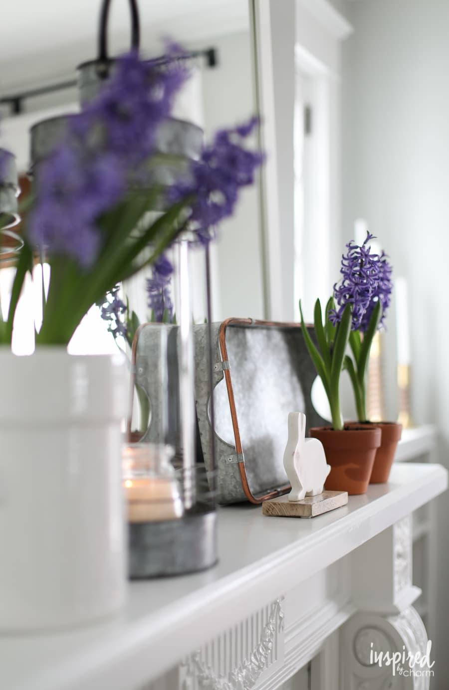 modern farmhouse mantel decor 2 ways inspired by charm