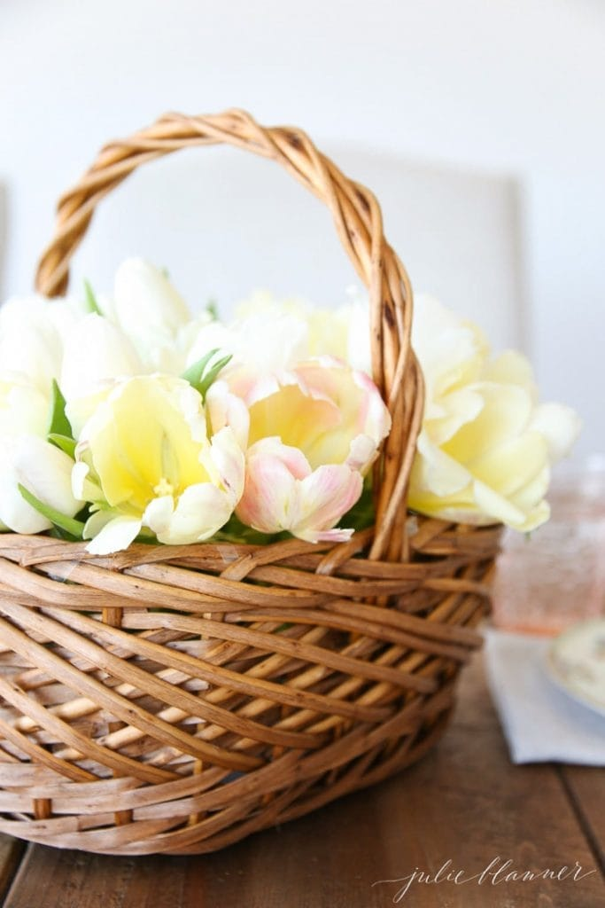 Tulip Easter Centerpiece - Delicious and Beautiful Easter Recipes and Decor Ideas