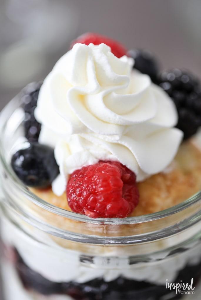 Mason Jar Mixed Berry Shortcakes with Homemade Whipped Cream - easy ...