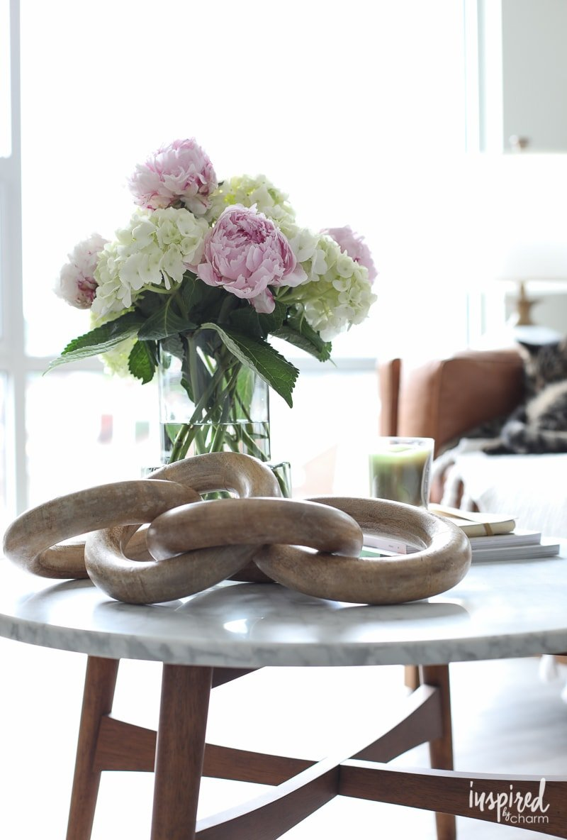 Simple Coffee Table Styling Ideas