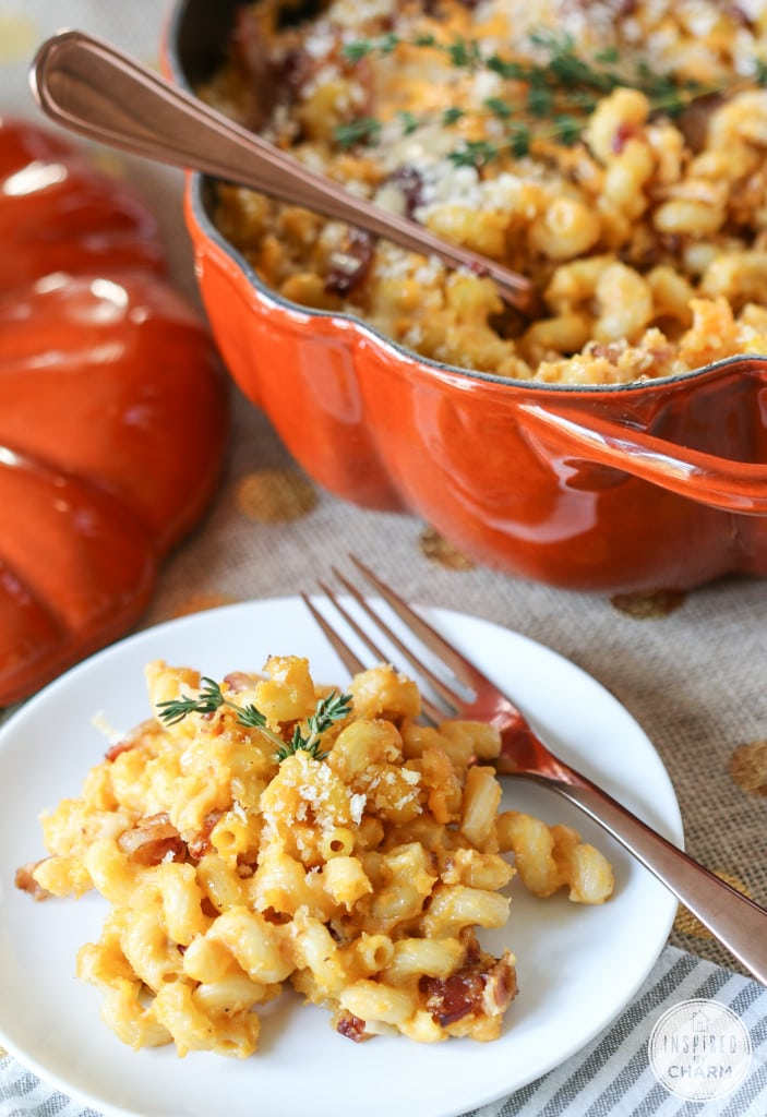 Pumpkin Mac and Cheese with Bacon - Favorite Fall Recipes | Inspired by Charm