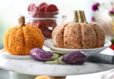Everything Bagel Cheeseball and Sun-Dried Tomato Cheeseball: Fall-inspired and pumpkin shaped cheeseball recipes for entertaining.