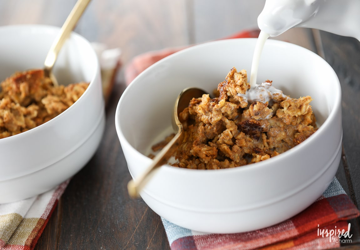 This Baked Pumpkin Spice Oatmeal recipe is the perfect breakfast idea for Fall.