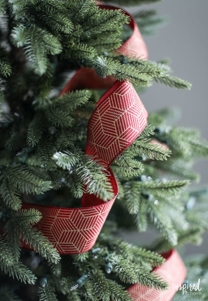 Styling Christmas Tree Ribbon