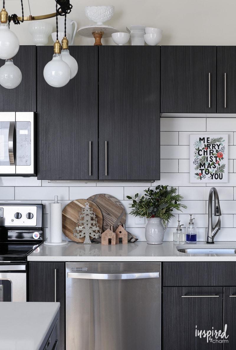 Apartment Kitchen Christmas Decor Ideas