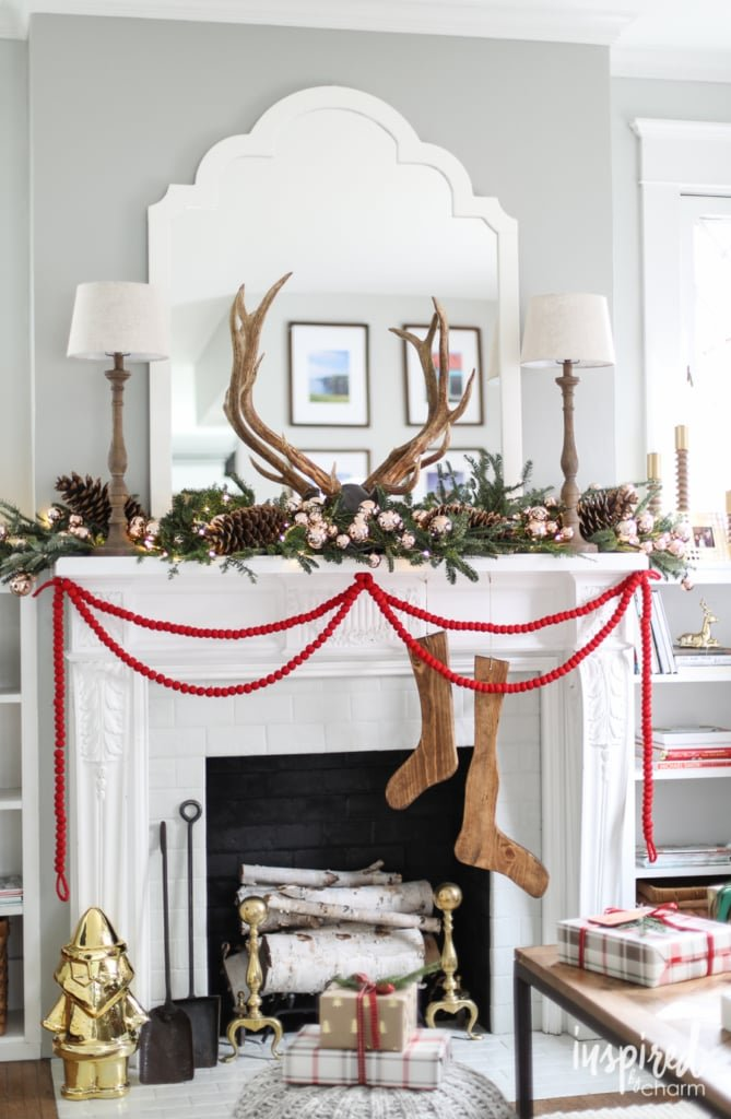Rustic Modern Farmhouse Christmas Mantel Decor