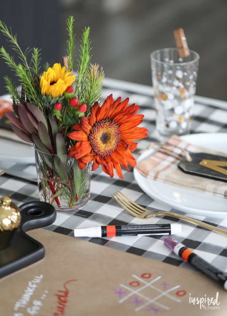 Friendsgiving ideas - table decor