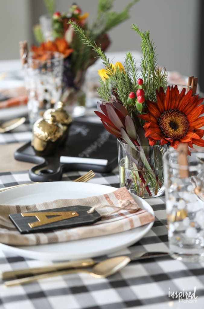 Unique table setting and Friendsgiving ideas