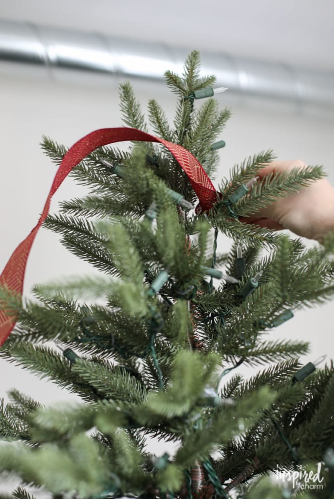 Adding Ribbon to Your Christmas Tree - How To