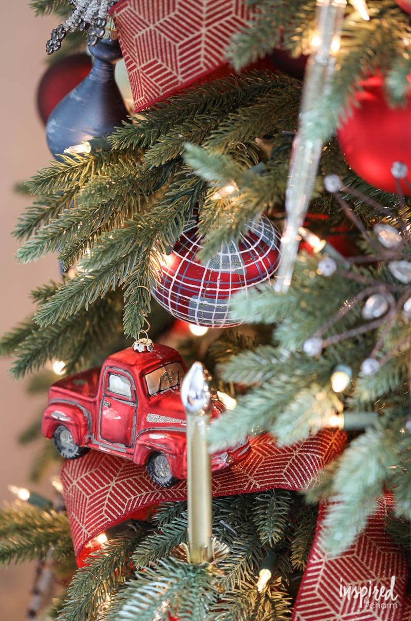 Plaid Ornaments for Rustic Modern Christmas Tree