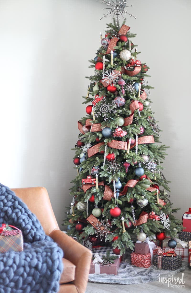 How to Style a Rustic Modern Christmas Tree for Christmas