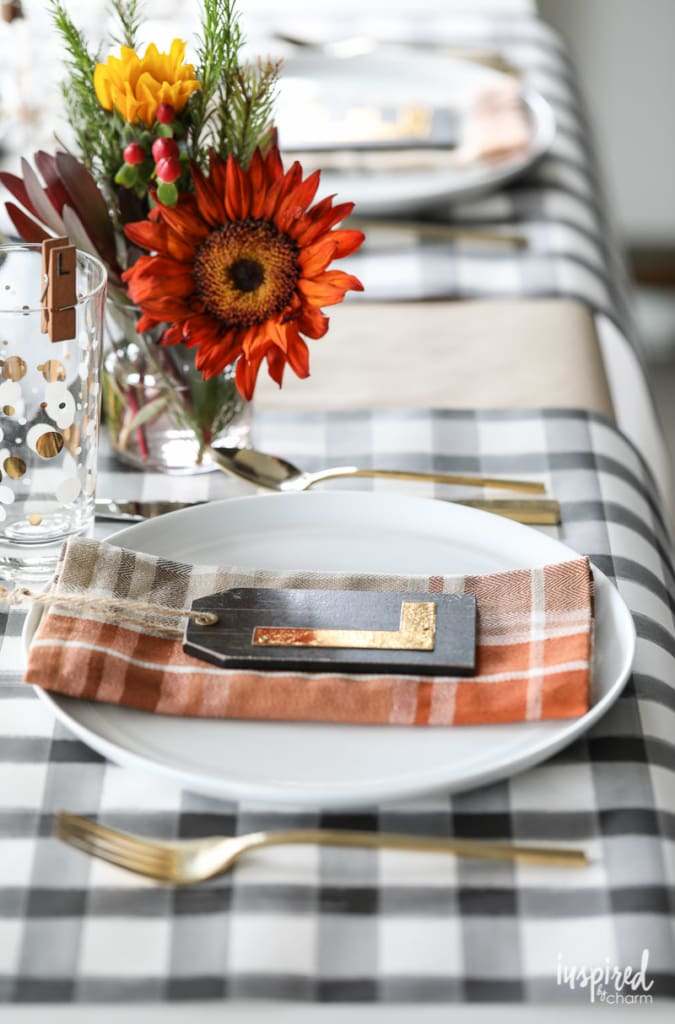 Friendsgiving Ideas - Place setting decor