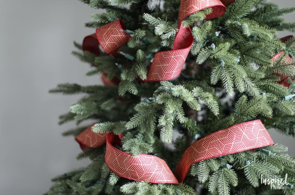 How To: Christmas Tree Ribbon