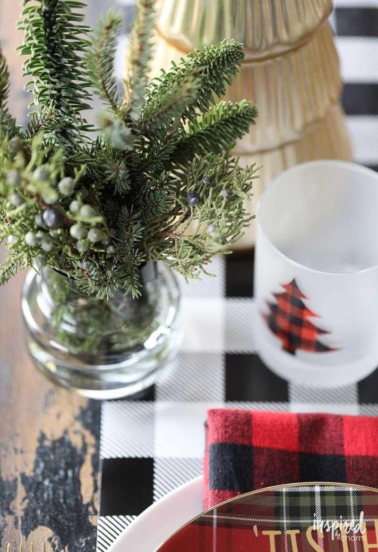 Farmhouse Plaid Christmas Table Setting Ideas