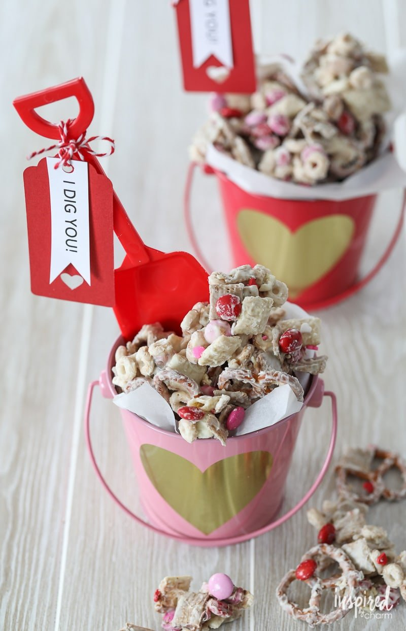 This Valentines Day White Chocolate Chex Mix Makes The Perfect Sweet Treat  To Give   Valentine