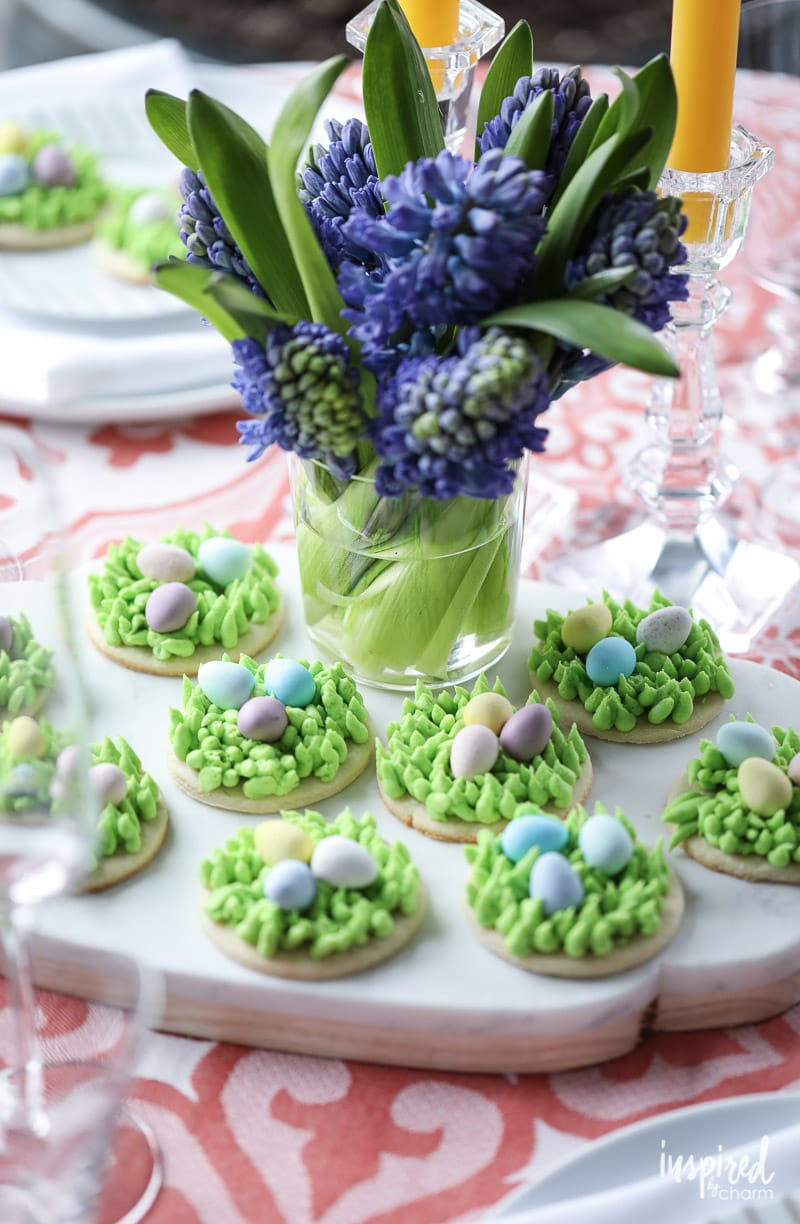 Need a cute #dessert #recipe for #Easter? Try these Egg Hunt Easter Cookies!