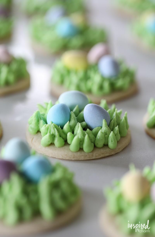 How to make Egg Hunt Easter Sugar Cookies #Easter #dessert #cookie #recipe