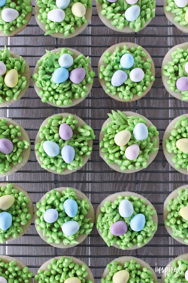 Adorable and Delicious: Egg Hunt Easter Cookies #dessert #easter #cookies