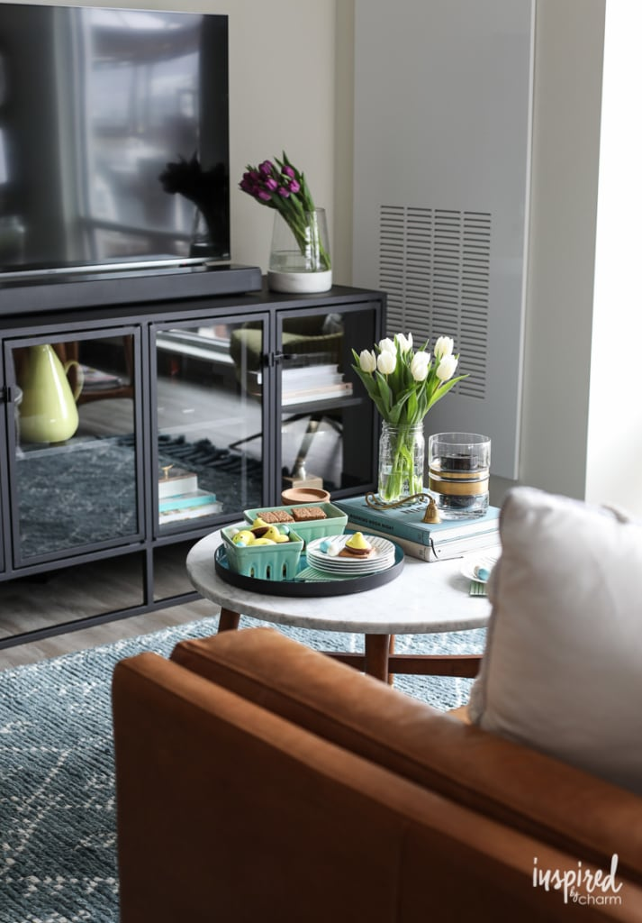 Creative Spring Decorating Ideas for your home! #spring #decor #decorating #tips
