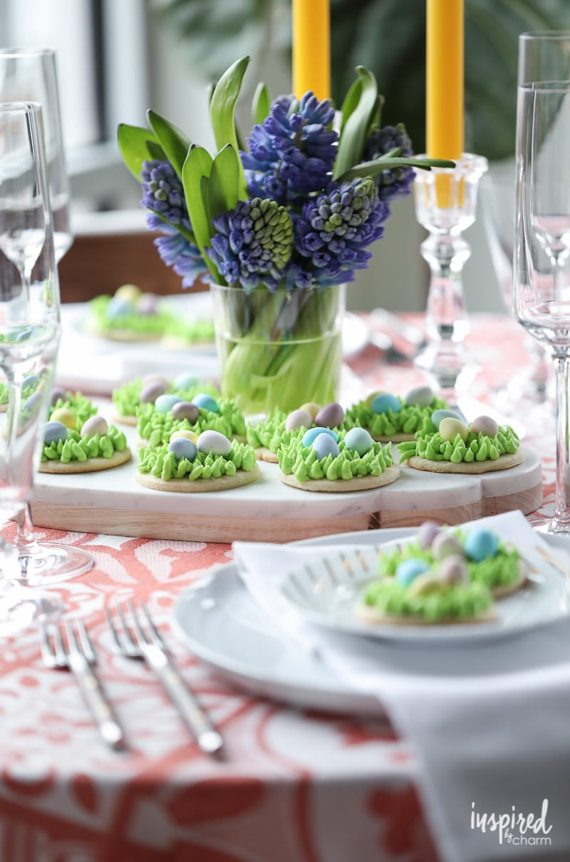 Celebrate Spring with these Egg Hunt Easter Cookies #recipe #Easter #cookies #dessert