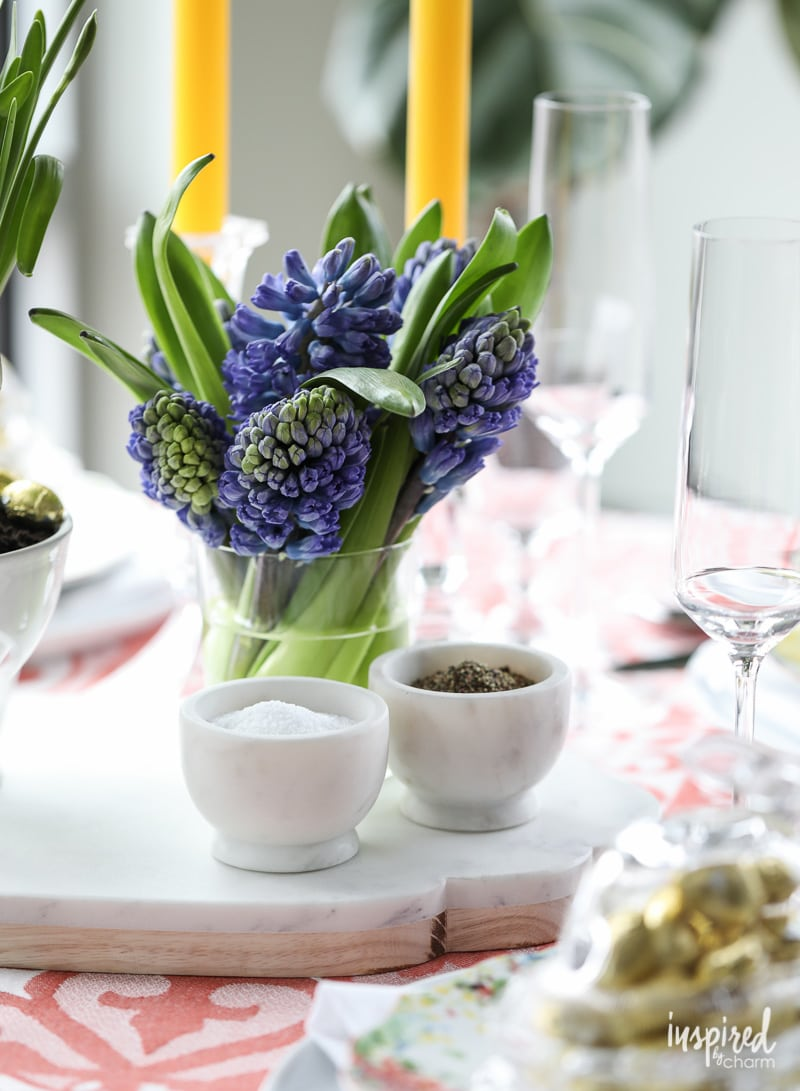How to style #mini #flower #bouquets. DIY Modern Flower Arrangements for Spring.