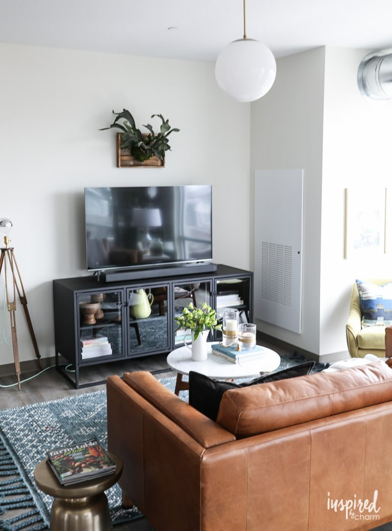 DIY Staghorn Fern #livingroom #decorating idea.