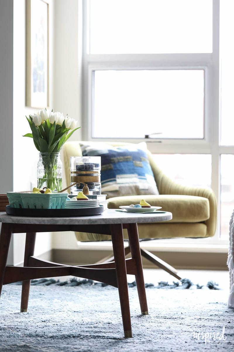 Colorful Living Room Spring Decorating Ideas