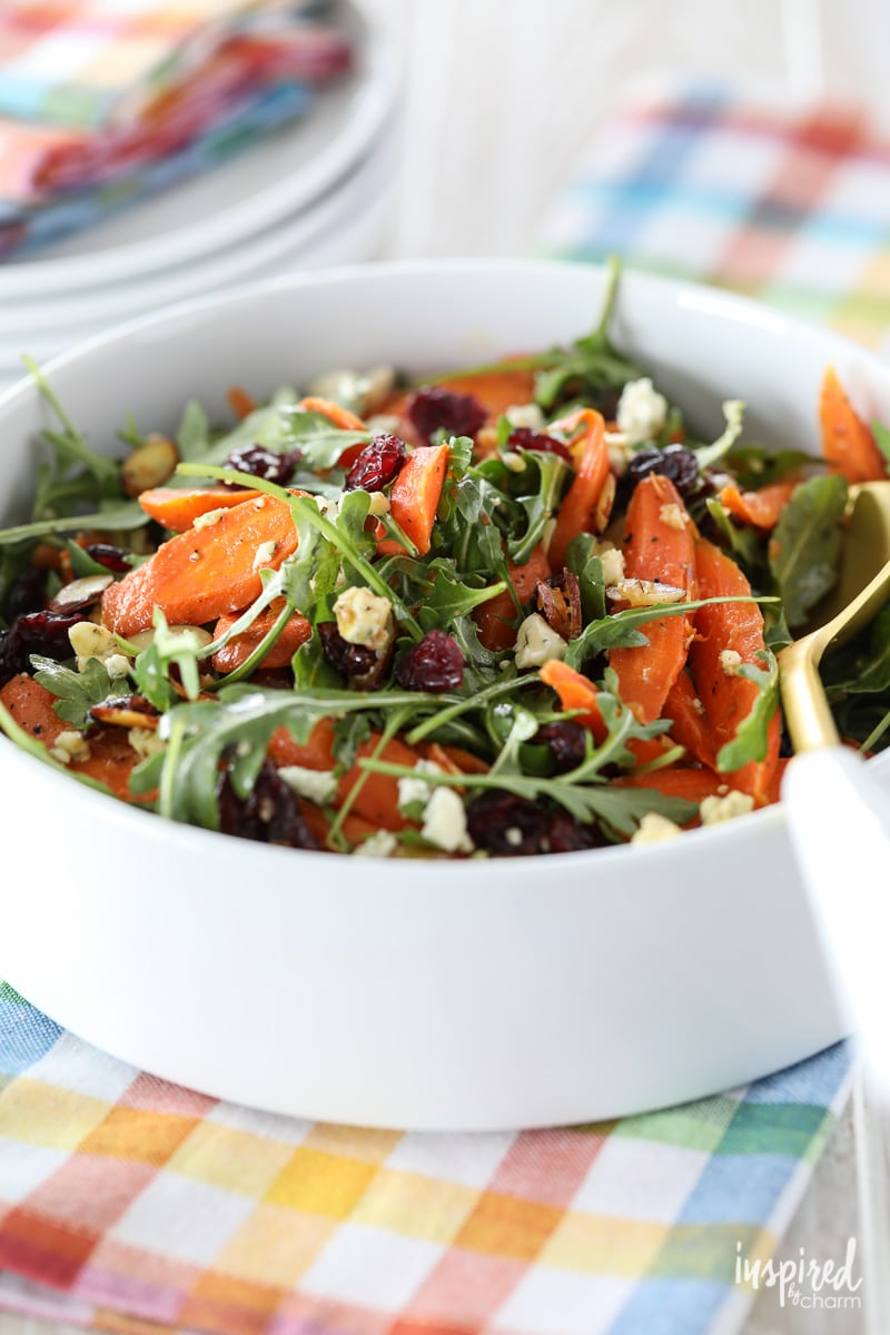 This Roasted Carrot Salad is a delicious and #easy #salad #recipe for #spring and #summer.