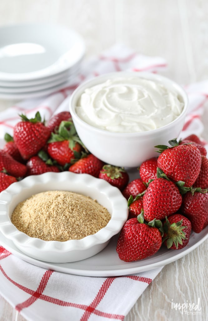 Cheesecake Dip with Strawberries - a fun and delicious way to eat dessert! #cheesecake #dip #strawberries #dessert #recipe