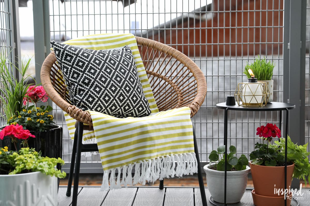 6 Ideas to Add Big Style to a Small Balcony or Patio