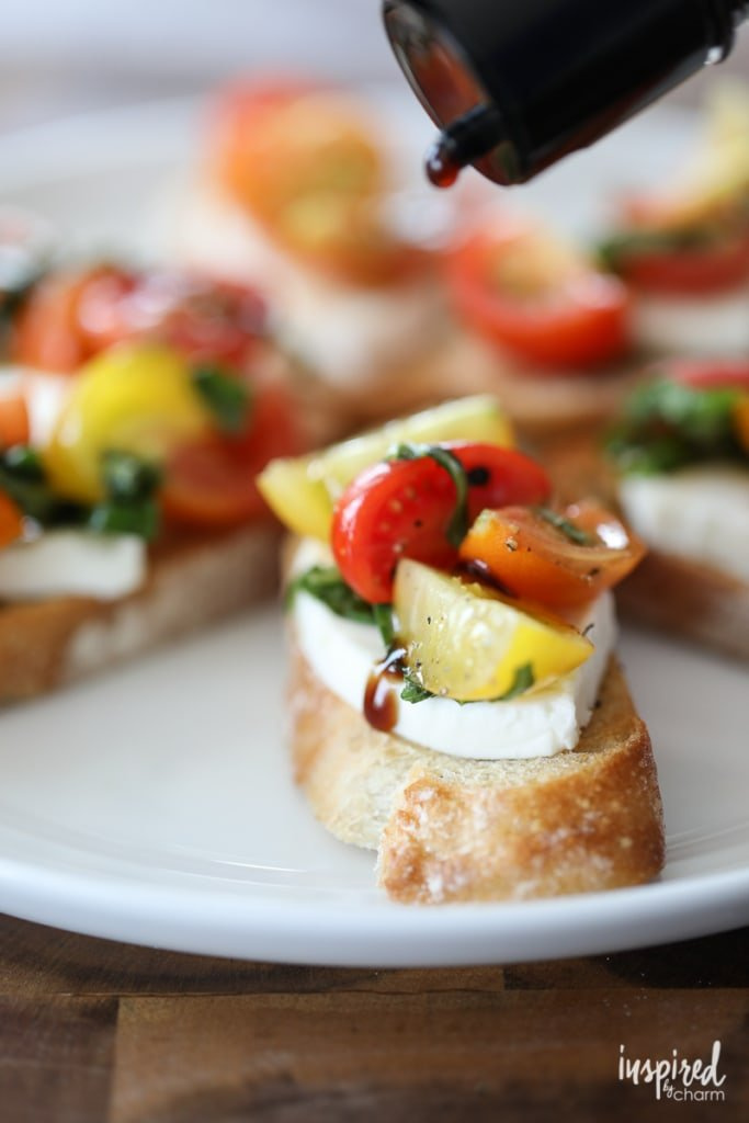 This Mozzarella Caprese Crostini is an easy summer appetizer recipe that everyone will love, and it can be made in under 15 minutes.