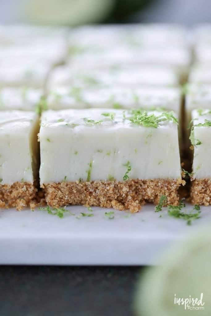 This Key Lime Pie Fudge puts all the flavor and texture of #key #lime #pie into rich and creamy bite-size pieces! #fudge