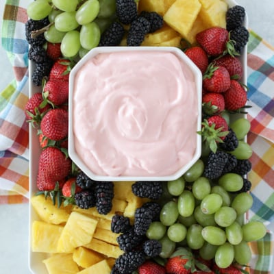 You only need four ingredients to make this delicious and Easy Fruit Dip recipe! #fruitdip #dip #dessert #fruit #recipe