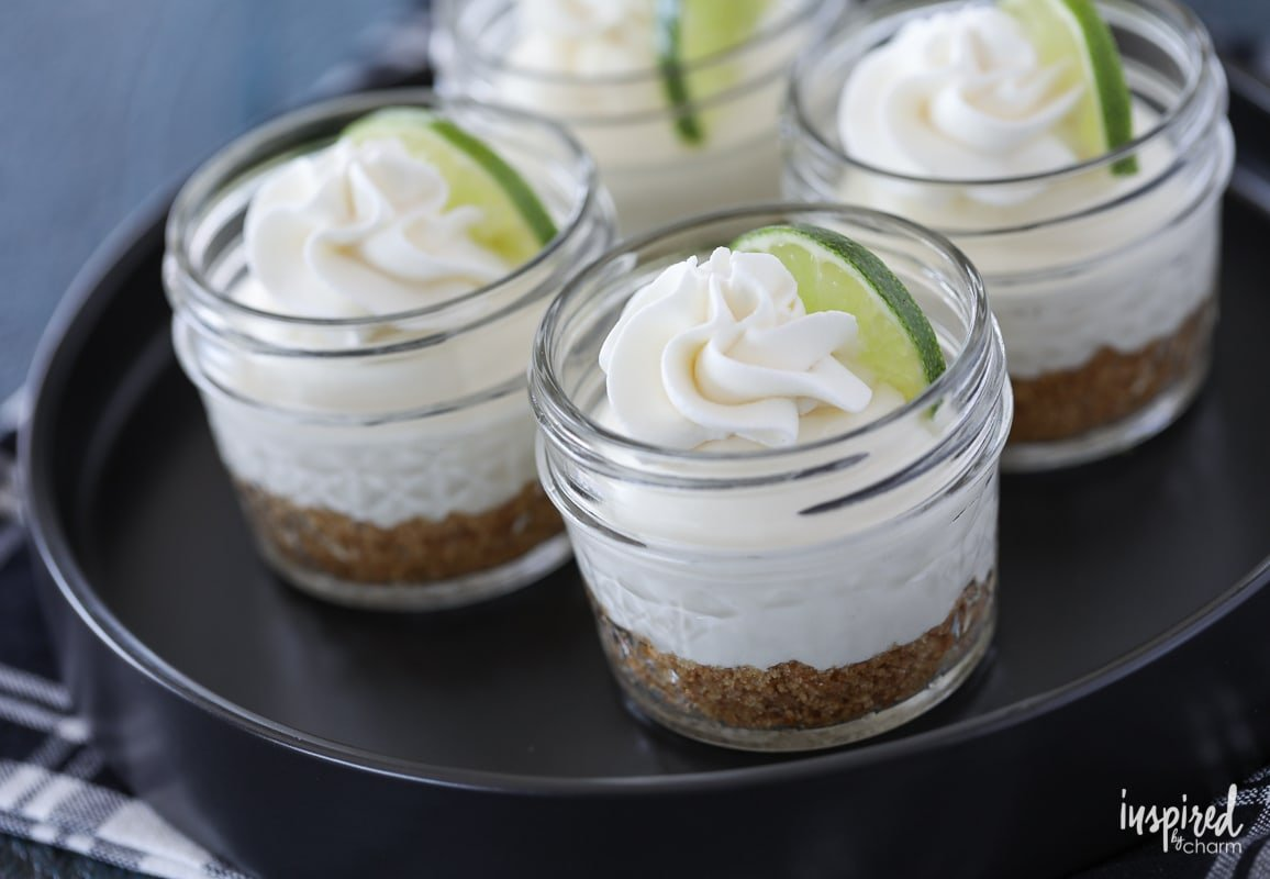 This recipe for Mini No Bake Key Lime Pie in a Jar makes a cute and delicious summer dessert! #keylime #masonjar #pie #keylimepie #dessert #recipe